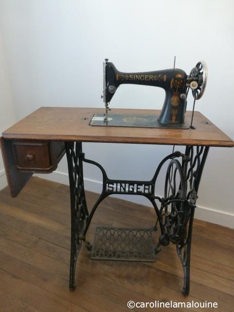 carolinelamalouine machine coudre vintage. Black Bedroom Furniture Sets. Home Design Ideas