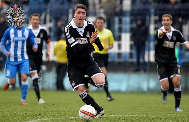 Vlahović je i dalje igrač Partizana!