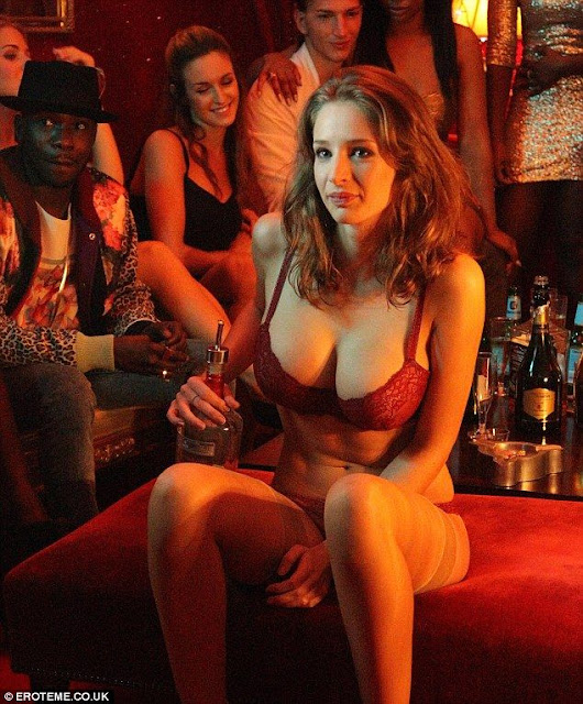 hot-Emily-Shaw-in-party