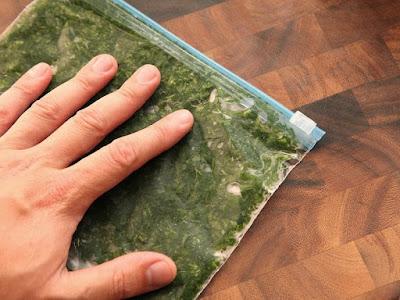 Maydonazların tadını ve tazeliğini koruyabilmesi için maydonazlarınızı doğrayın ve kilitli poşetlerle dondurucuya koyarak donmalarını sağlayın.