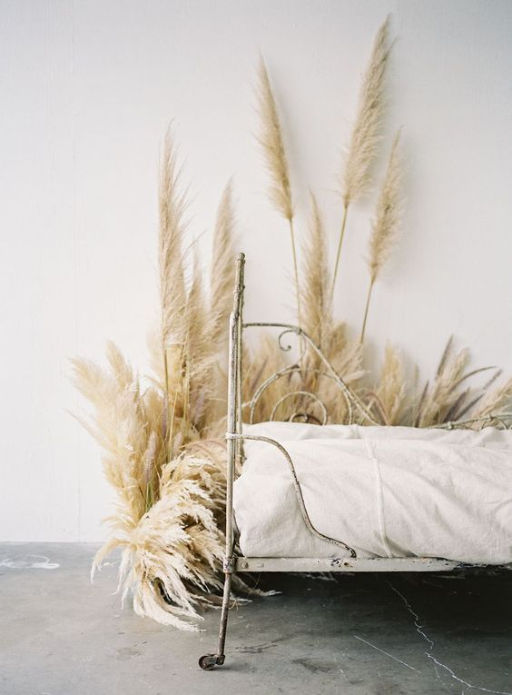 Pampas grass in bedroom-designaddictmom