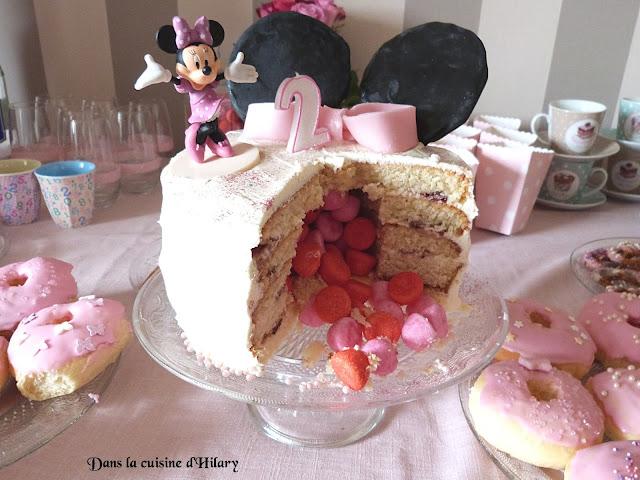 Pinata cake version Minnie Mouse pour les 2 ans d'une princesse
