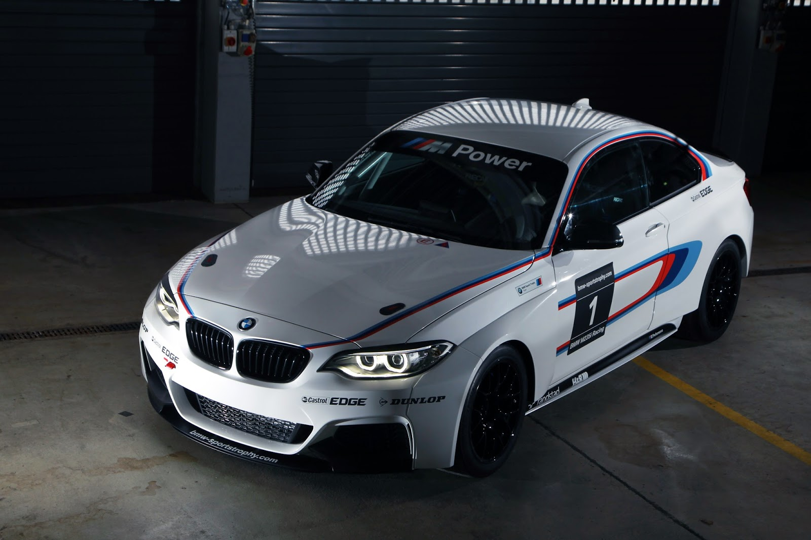bmw releases more pictures of the m235i racing. Black Bedroom Furniture Sets. Home Design Ideas