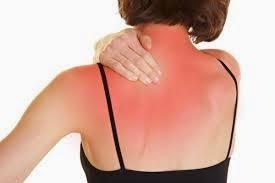 Por qué es tan común el dolor en zona de hombros y omóplatos.