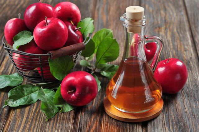 apple cider vinegar Best pimple treatments