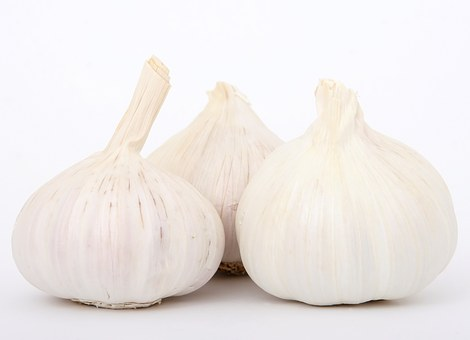 7 Manfaat Mengejutkan Makan Bawang Putih Mentah