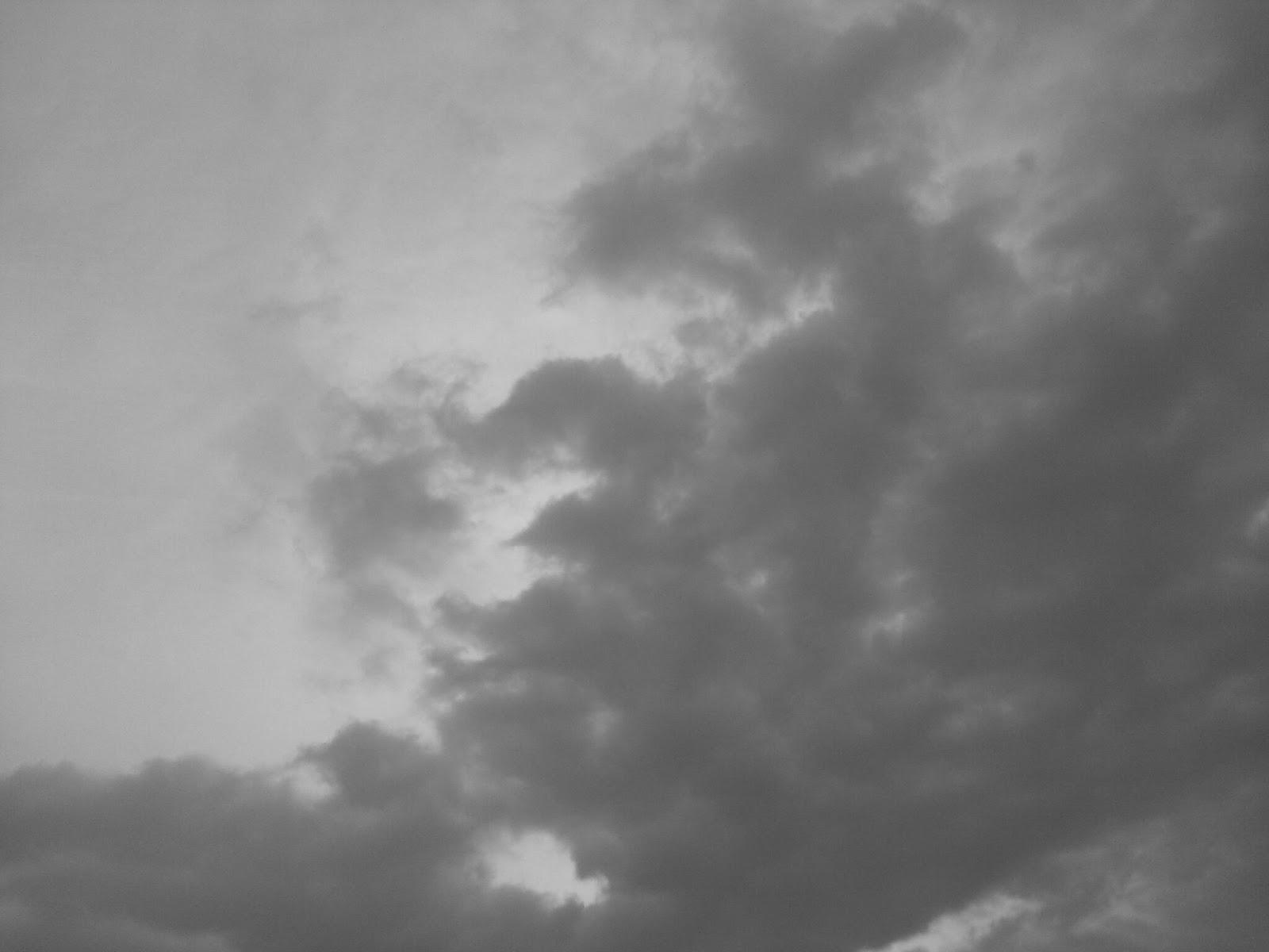 曇りに触れて