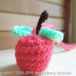 https://www.happyberry.co.uk/free-crochet-pattern/Mini-Apple/5061/