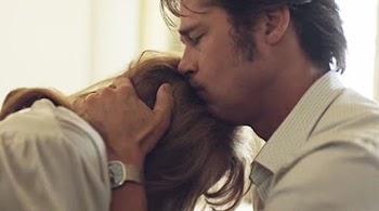 «Κουρέλι» ο Μπραντ Πιτ - Κλαίει και τηλεφωνεί στους γονείς του καθημερινά