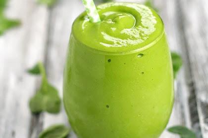 Banana Mango Avocado Green Smoothie