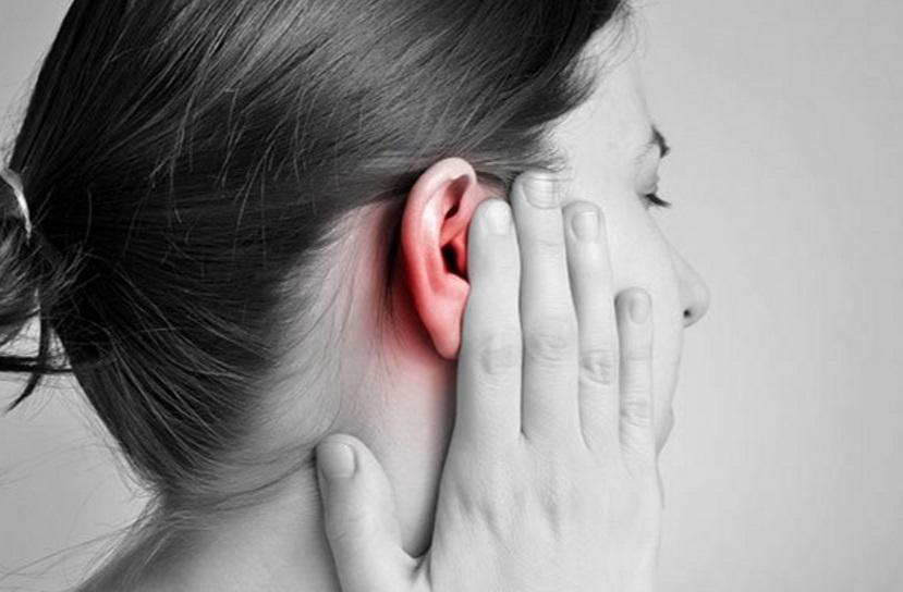 Kaip pašalinti į ausis pakliuvusį vandenį?