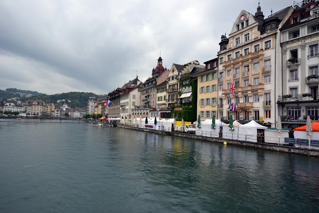 Lucerne, Luzern, switzerland, Alps, day trips, chapel bridge, Pilatus, Rigi, Golden Round Trip, things to do in Lucerne, Lake Lucerne, river Reuss, Weinmarkt square, Kapellbrucke, Spreuer Bridge, Dying Lion of Lucerne Monument, Hofkirche, The Nine Towers, budget Switzerland,