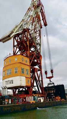 Grúa Titán