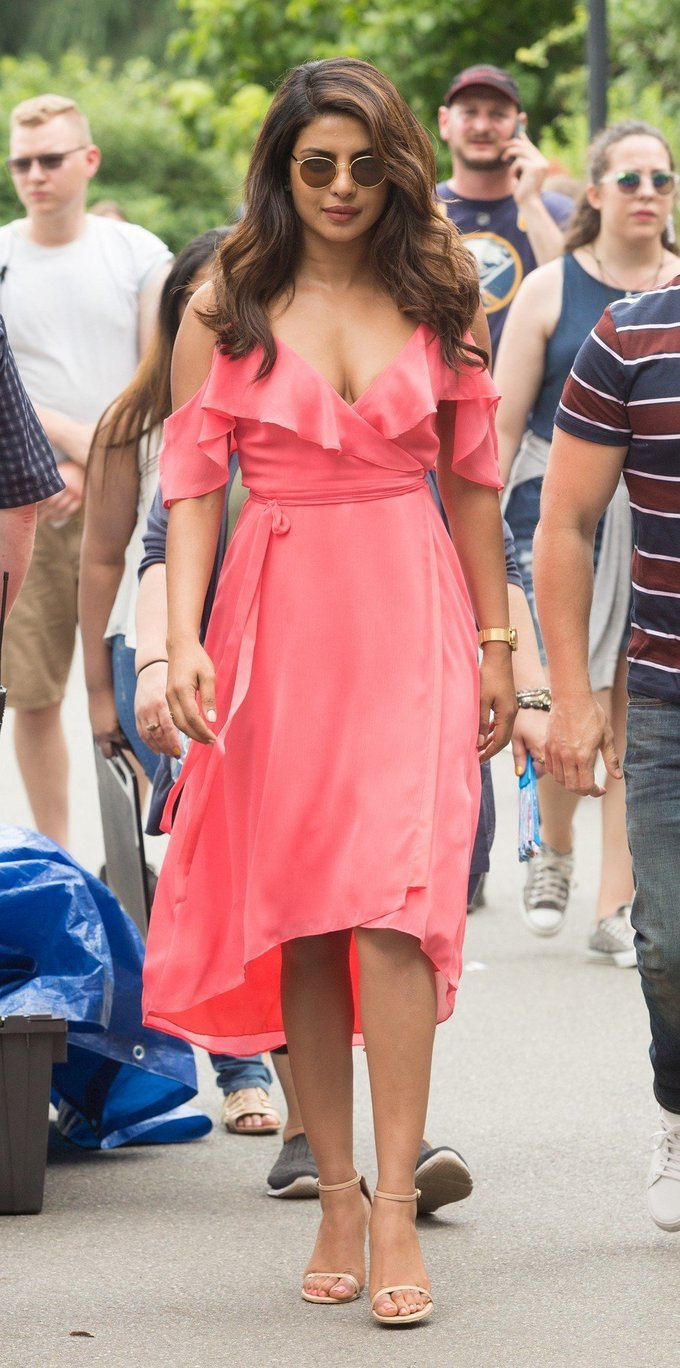Hollywood Actress Priyanka Chopra Romantic Stills In Pink Dress