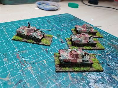 Panther tanks with zimmerit and without picture 5
