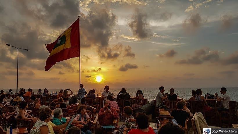 Pôr do sol visto das muralhas de Cartagena - Diário de bordo: 4 dias em Cartagena, Colômbia