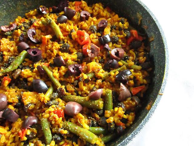 Spanish-Style Saffron Rice with Black Beans
