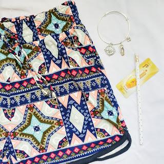 inside zena salon & boutique's august glam bag