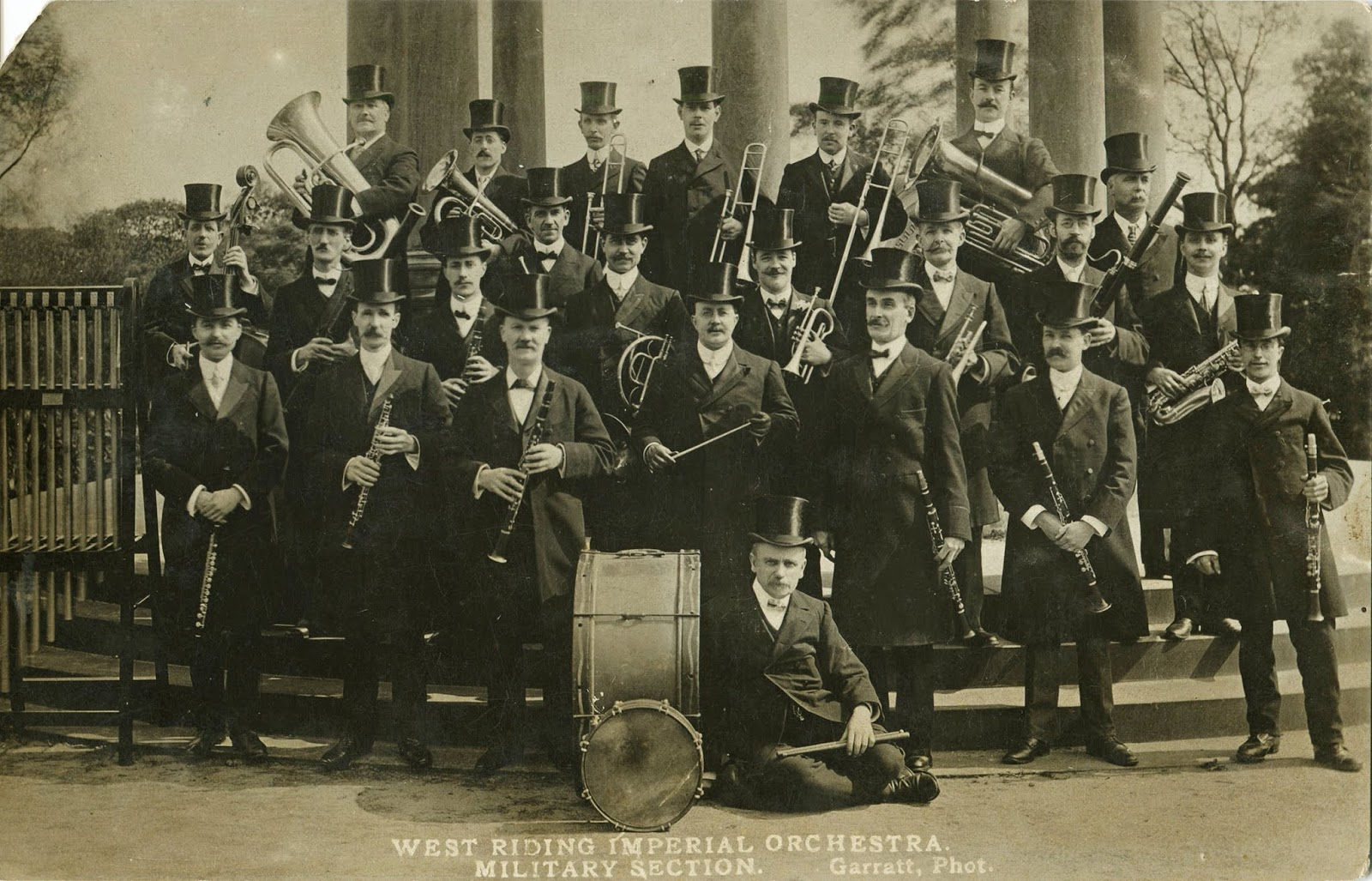 And did the tradition of musical top hats stop altogether at one time 8efd7cc1fbe