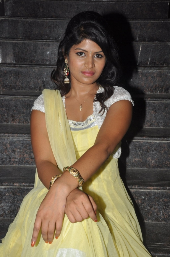 Actress manasini new hot photos