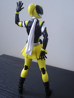 SH Figuarts Akiba Yellow 07