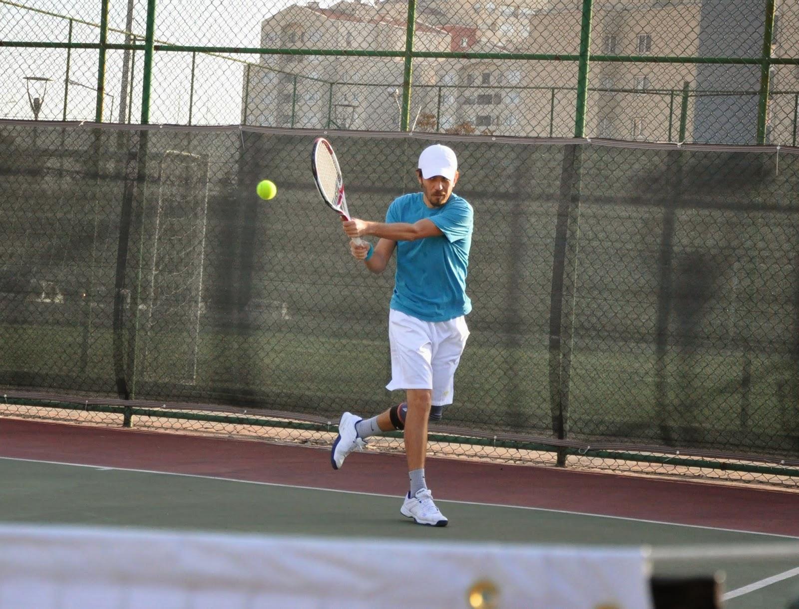 Halil Öztürk - Tenis Sanati