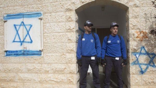 Expulsan a colonos ilegales pero Israel promete 6.000 viviendas