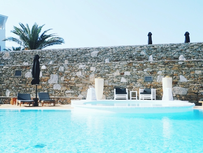 Liostasi hotel suites and spa pool