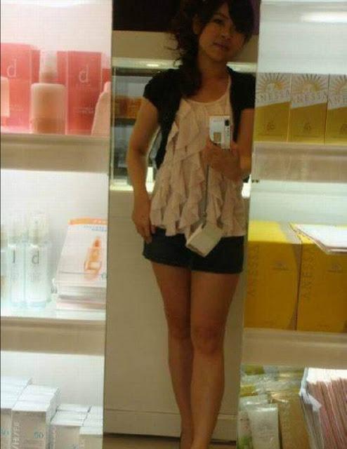 Foto Bugil Hot Cewek Amoy SPG Kosmetik