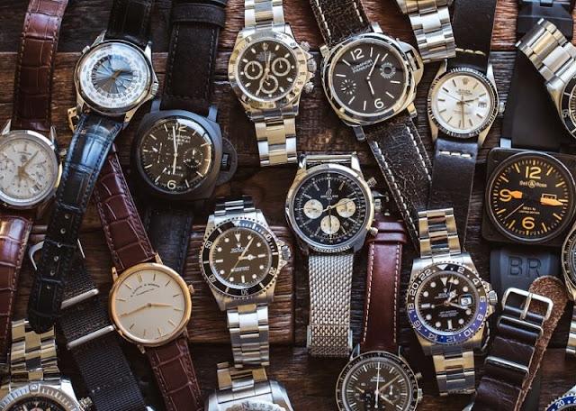 Relógios de diferentes marcas e modelos