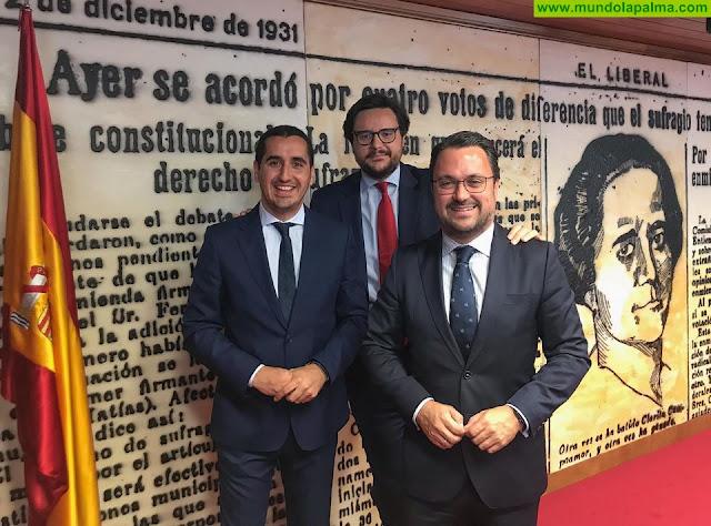 Pérez Sicilia y Antona acuden a la reunión del PP con los grupos parlamentarios del Senado y del Congreso
