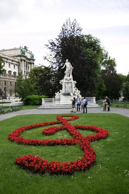 Statua di Mozart-Burggarten-Vienna