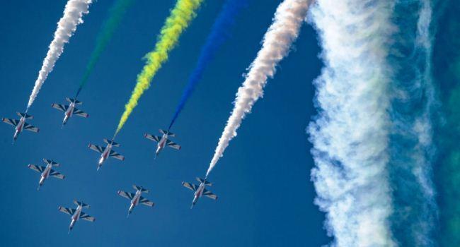 Atraksi Jet-Jet Tempur China di Zhuhai Airshow 2018