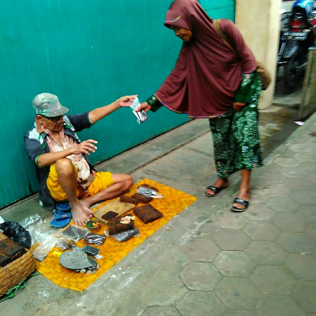 30 Tahun Jualan Tembakau di Pasar Induk Wonosobo