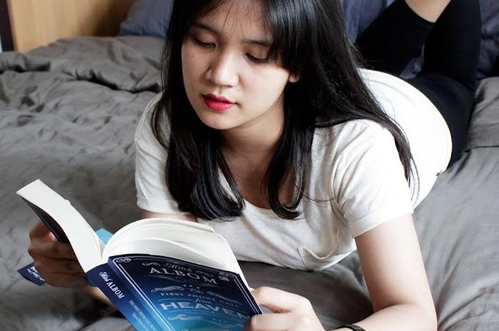Cewek, Buku dan Mitos