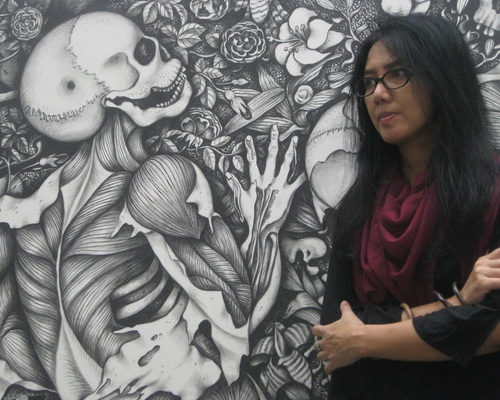 www.TInuku.com Favorite female artist Wara Anindyah exhibit 61 paintings at Natan Art Space, Yogyakarta