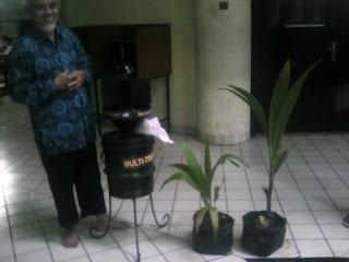 Prof. Sudarsono IPB, Penemu Varietas Kelapa Kopyor Genjah