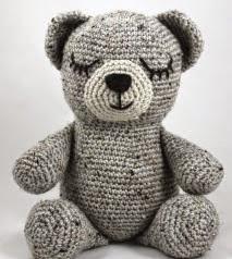 http://translate.google.es/translate?hl=es&sl=en&tl=es&u=http%3A%2F%2Fsquirrelpicnic.com%2F2015%2F03%2F13%2Fsleepy-bear-crochet-pattern%2F