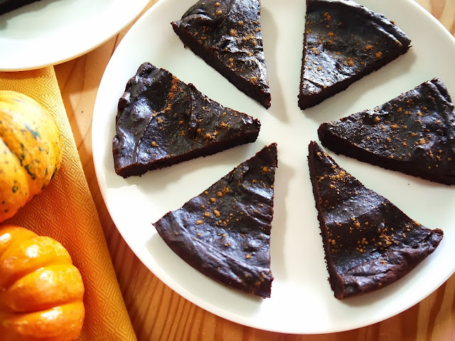 http://www.eat8020.com/2013/10/20ish-light-fudgey-pumpkin-brownies.html