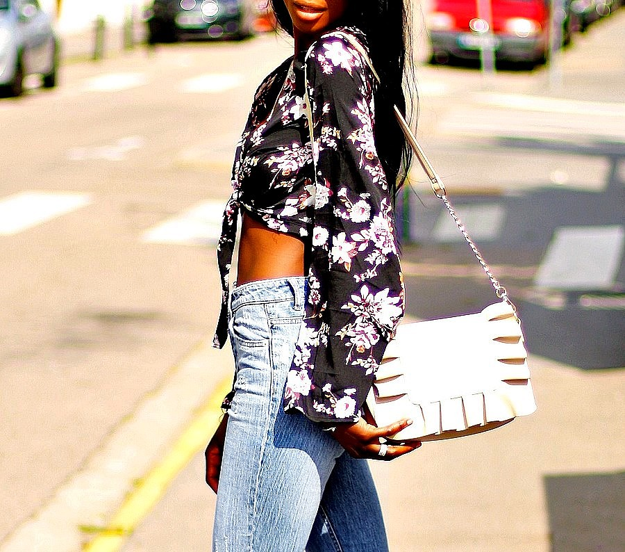 crop-top-jeans-taille-haute