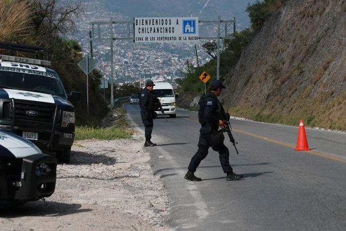 Atacan tres bares y ejecutan a dos hombres en Chilpancingo