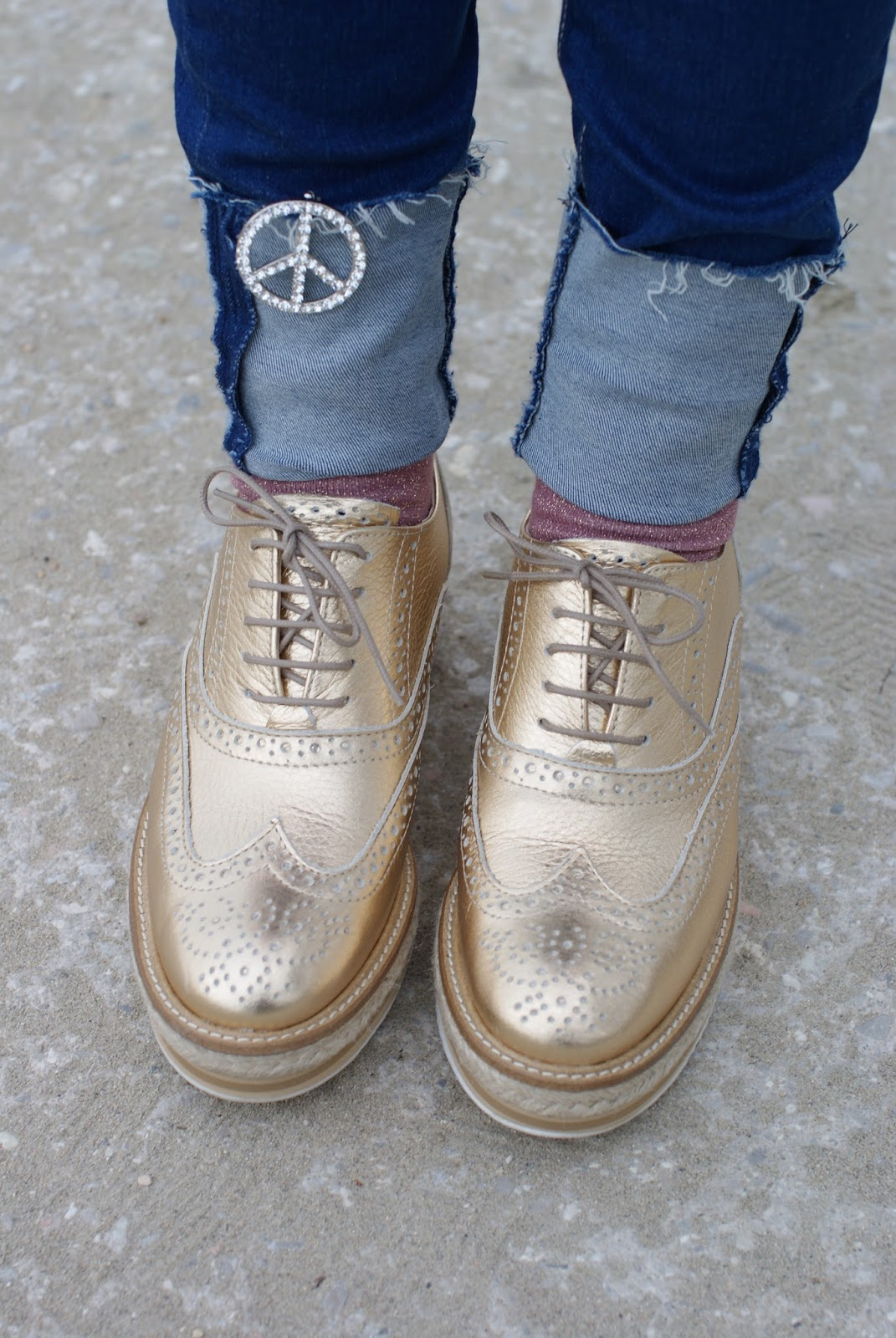 Lorenzo Mari brogues shoes on Fashion and Cookies fashion blog, fashion blogger style