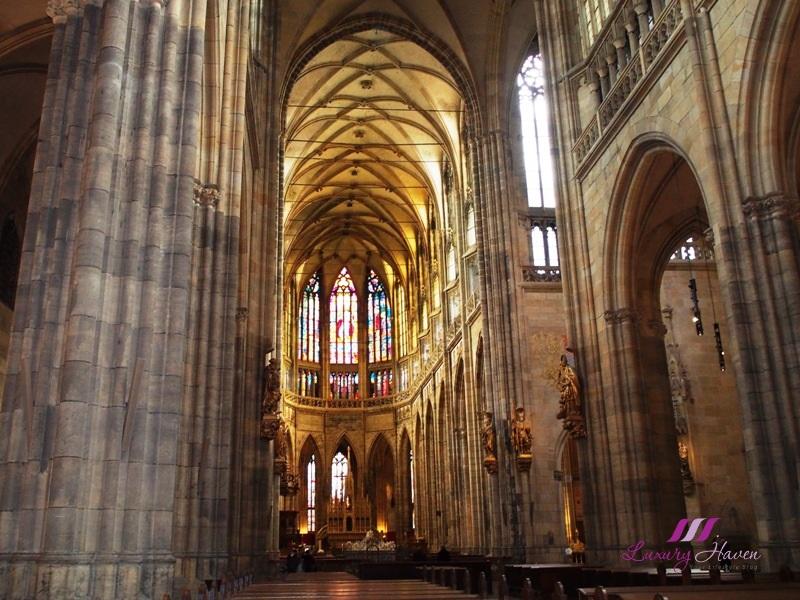 czech republic prague castle sightseeing st vitus cathedral