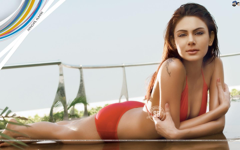 Santa Banta Cute Girl Wallpaper Hd Wallpapers Of Aanchal Kumar Sexy Hot Glamour