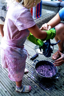 Indigo dyeing with under 5s