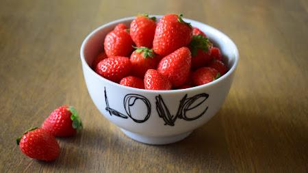 Strawberries with Love iPad