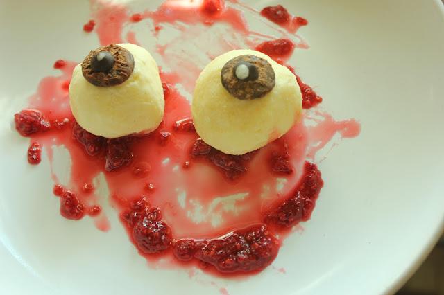Recipe Organic Gluten-free Rich Vanilla Ice Cream Eyeballs