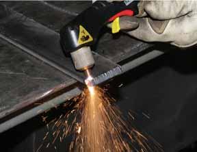 Hình ảnh kỹ thuật hàn cắt plasma đối vật liệu dày