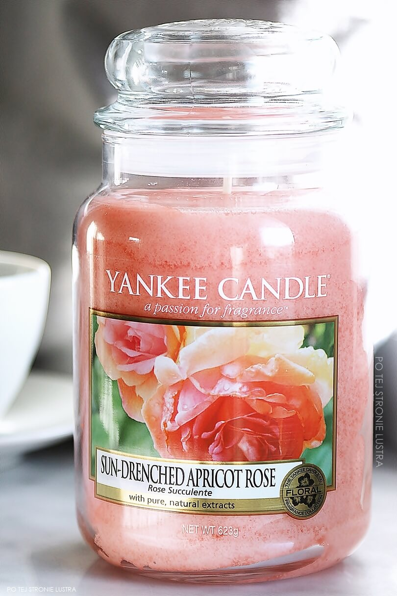 duża świeca yankee candle sun-drenched apricot rose