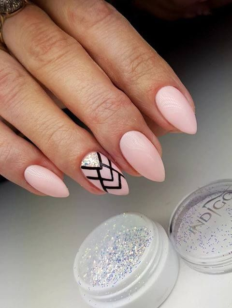 pretty cool nail art for this winter